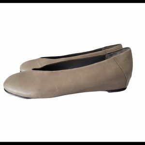 Eileen Fisher Patch Ballet Flat Taupe SZ 7.5